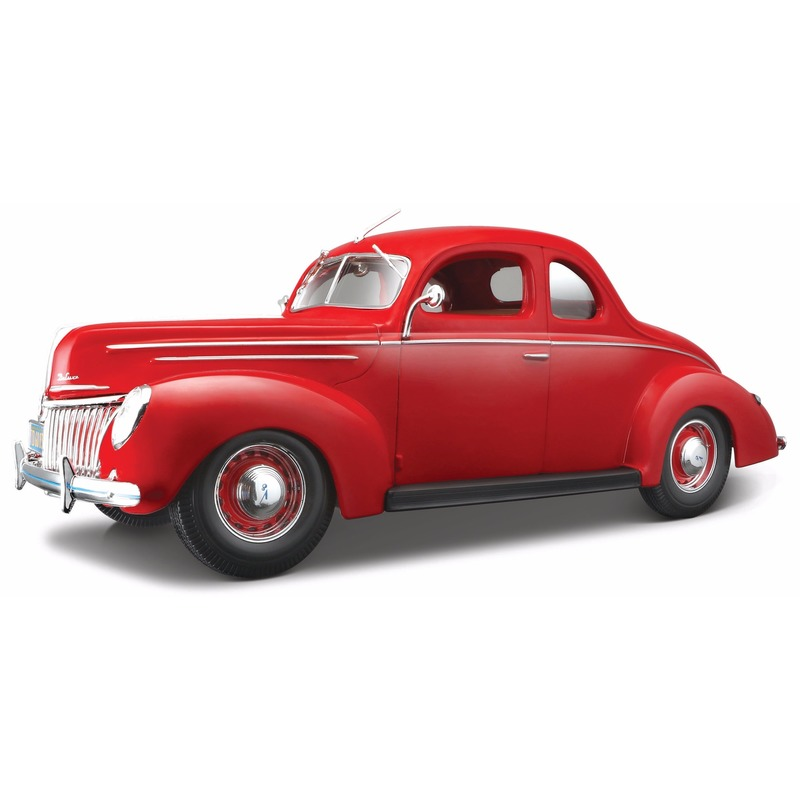 Modelauto Ford Deluxe Coupe 1939 1:18